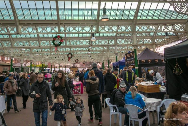 Воскресный рынок прямо на станции Tynemouth