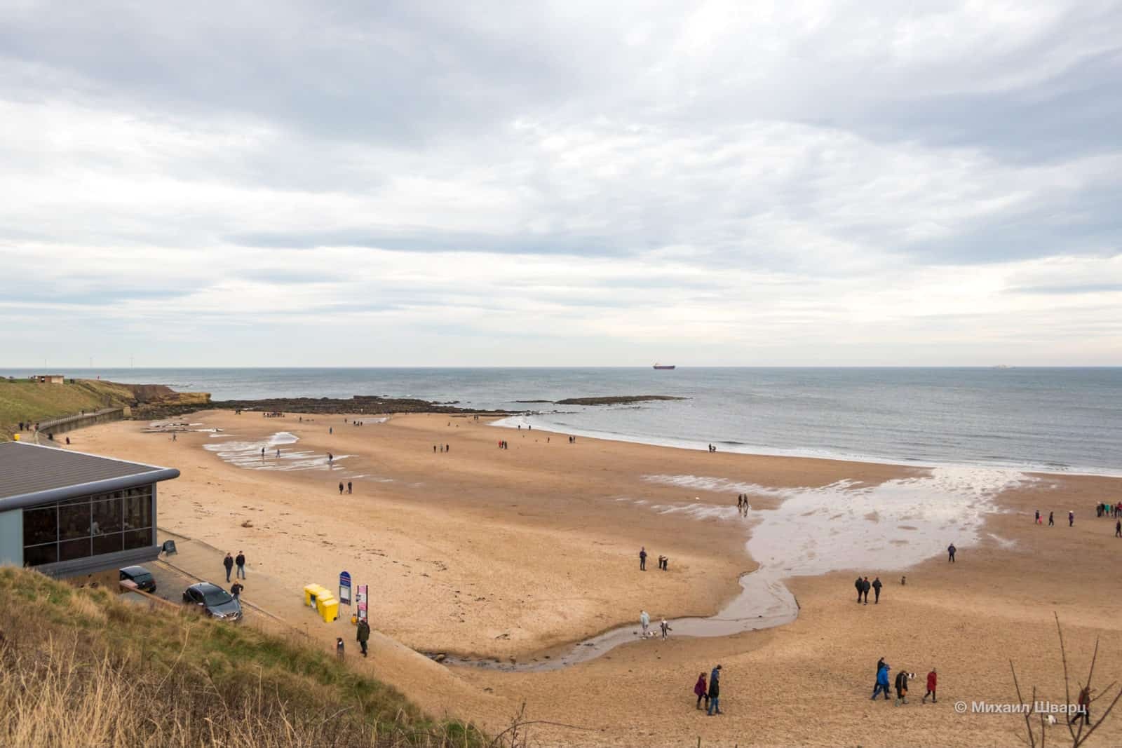 Пляж Tynemouth Beach плавно перетекает в пляж Long Sands Beach