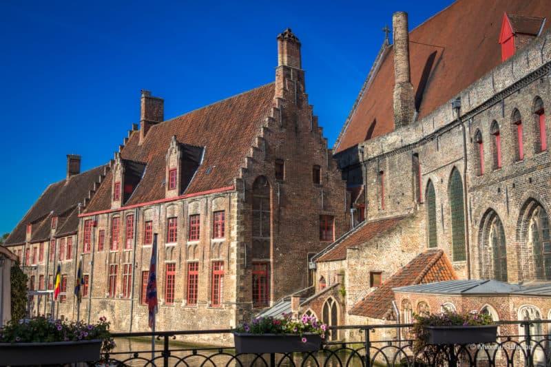Госпиталь Святого Иоанна (Oud Sint-Janshospitaal)