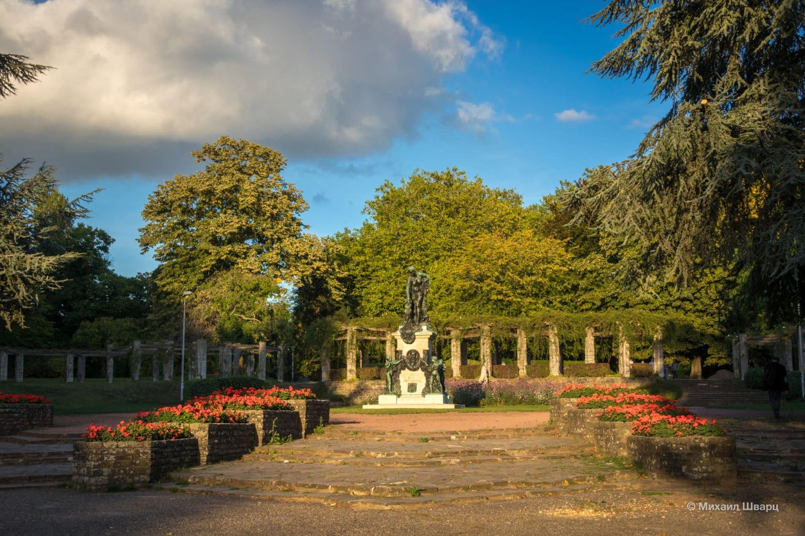 Памятник Освальду де Керхову де Дентергем