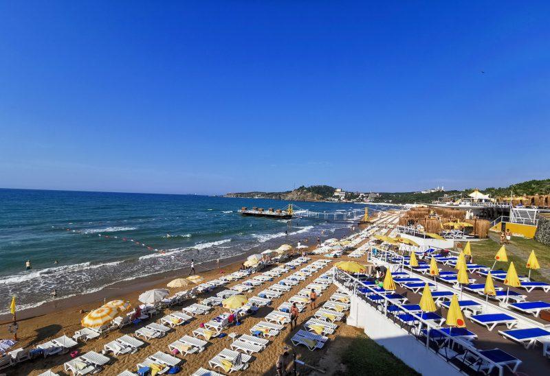 Пляж Солар (Solar Beach)