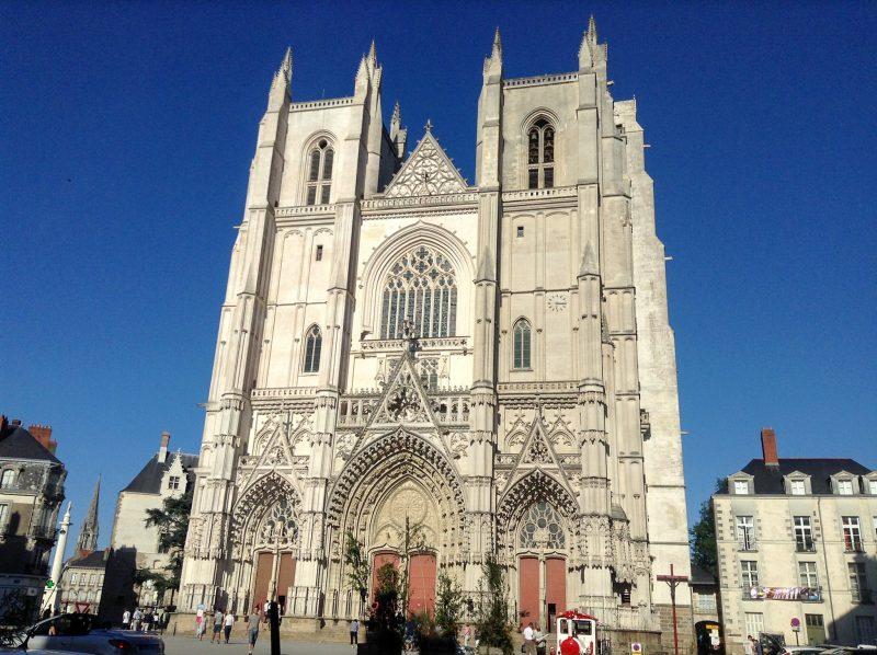 Собор Святых Петра и Павла (Cathédrale Saint-Pierre-et-Saint-Paul)